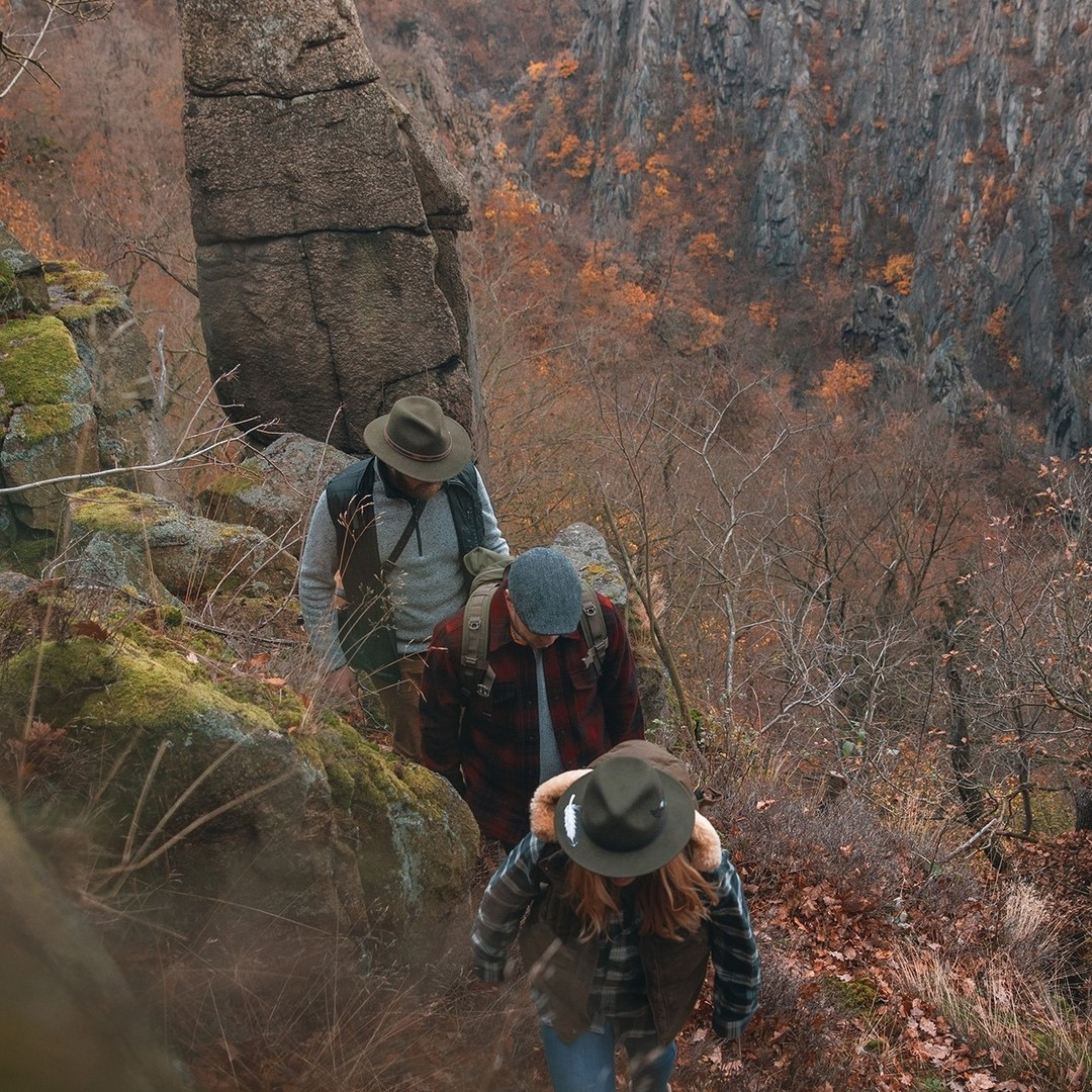 Outside-with-the-crew--muenchmax-stetsonoutdoor-stetson-stetsoneurope-collection-autumnwinter2021-aw21-hat-hats-outdoor-nature-travelling-fashion
