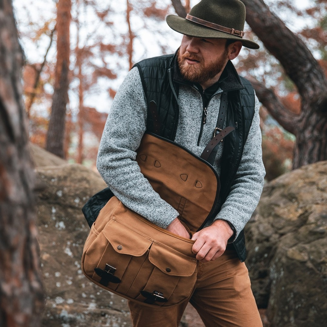 At-home-in-the-great-outdoors--muenchmaxstetsonoutdoor-stetson-stetsoneurope-collection-autumnwinter2021-aw21-hat-hats-outdoor-nature-travelling-fashion